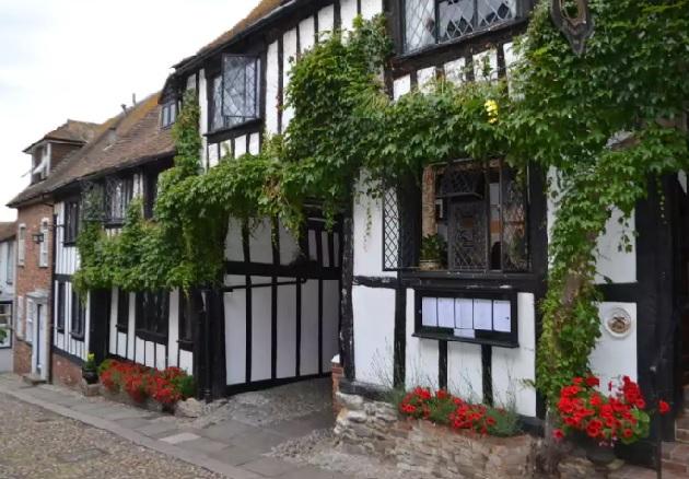 The Mermaid Inn, Великобритания