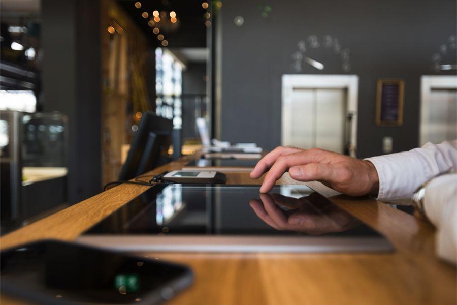онлайн-бронировании отелей